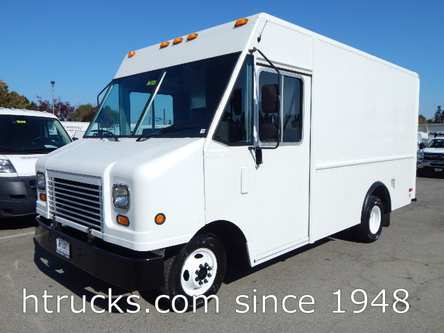 2009 Ford E350 12' Step Van / Walk-In on Dual Rear Wheels - HIGH ROOF