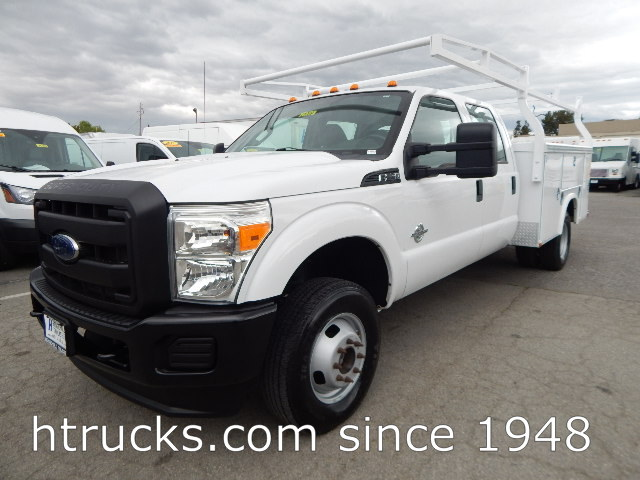 2013 Ford F350 9' CREW CAB Utility on DRW with RACK - DIESEL 4 X 4
