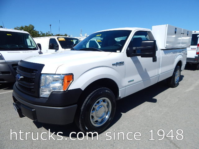2014 Ford F150 8' Long Bed Regular Cab Pickup with LIFTGATE - 8,200 LB GVW