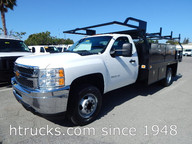 2013 Chev 3500 12' Contractor's Flatbed with RACK