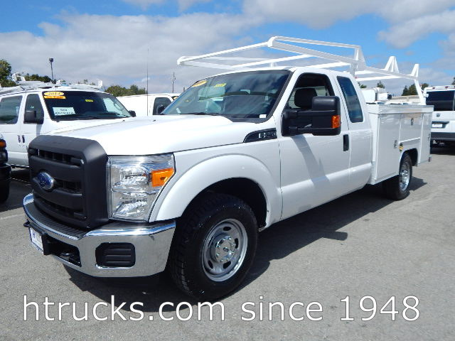 2016 Ford F250 8' SUPER CAB Utility with RACK