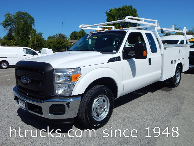 2012 Ford F350 9' SUPER CAB Utility with RACK